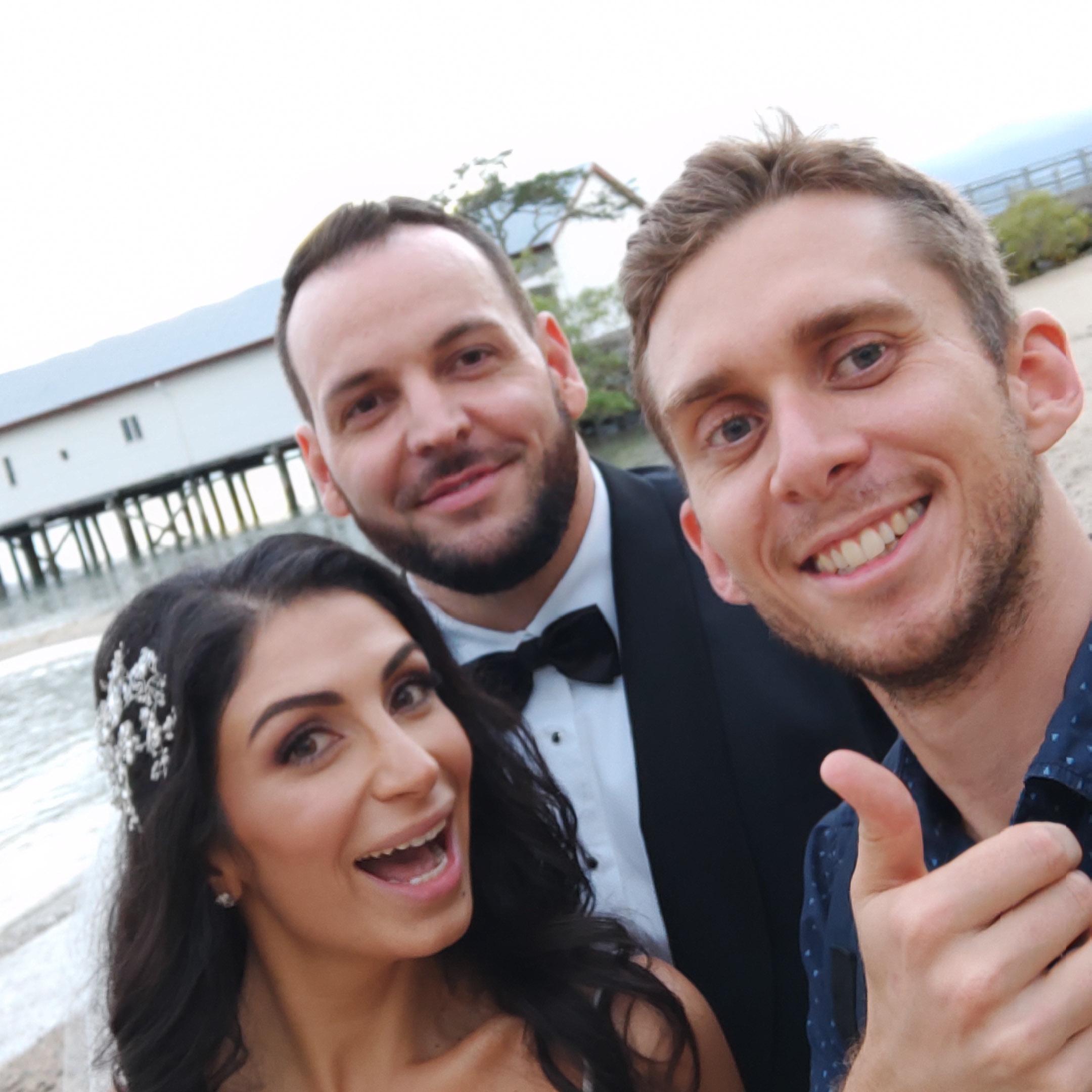 The-raw-photographer-cairns-wedding-photography-bridalparty-selfie-13.jpg