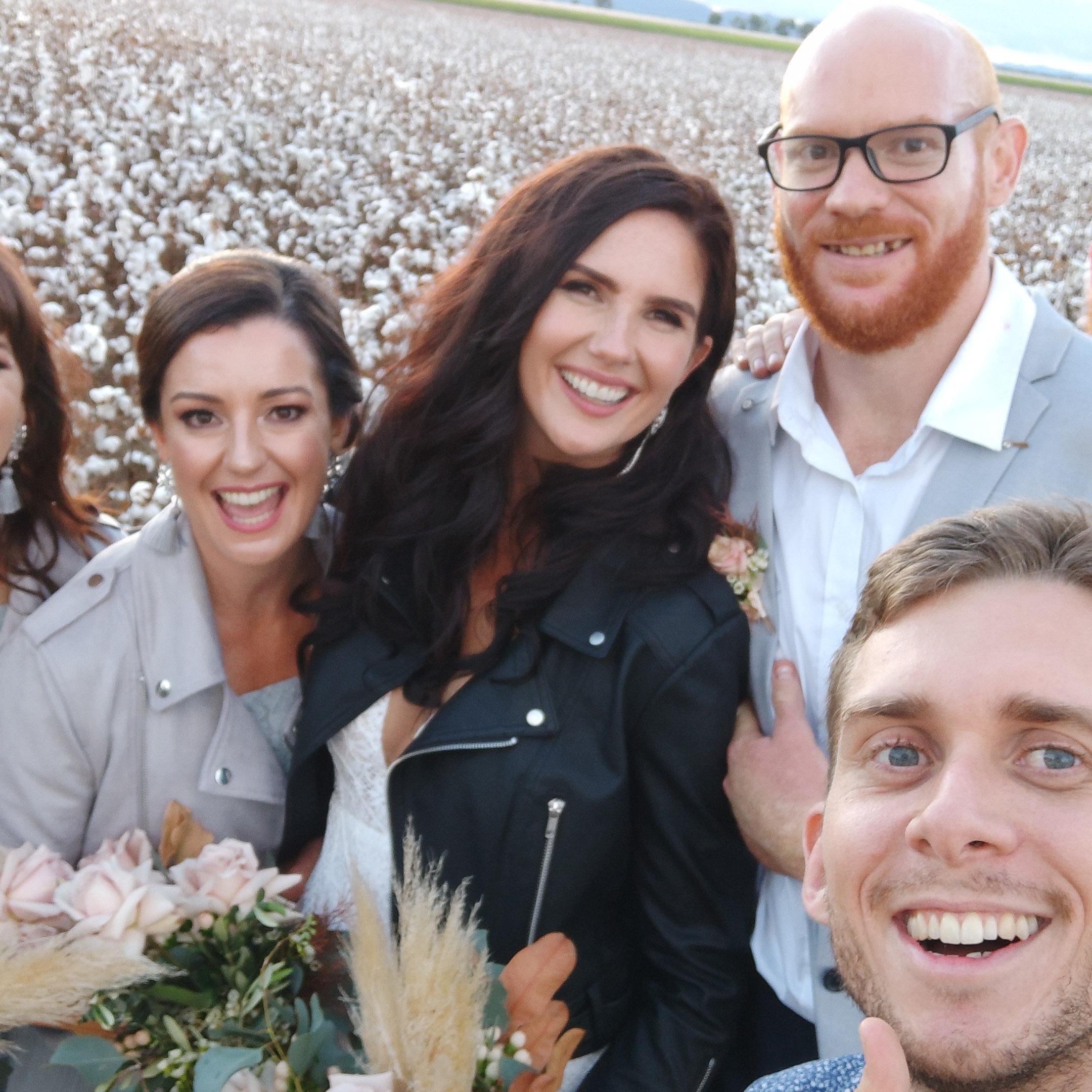 The-raw-photographer-cairns-wedding-photography-bridalparty-selfie-12.jpg