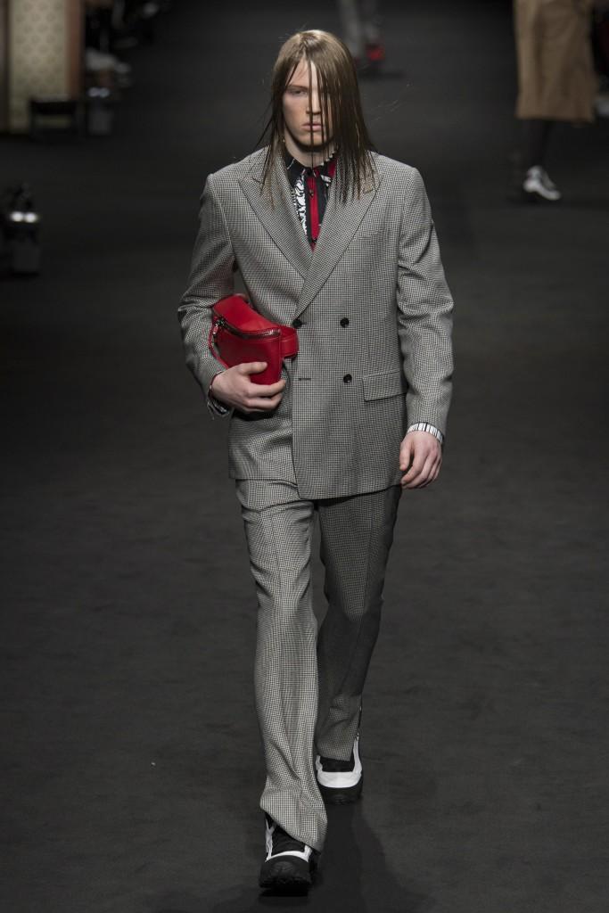 Versace-AW17-1-683x1024.jpg