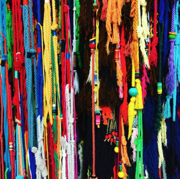 sixe-paredes-alice-gallery-loom-detail.png