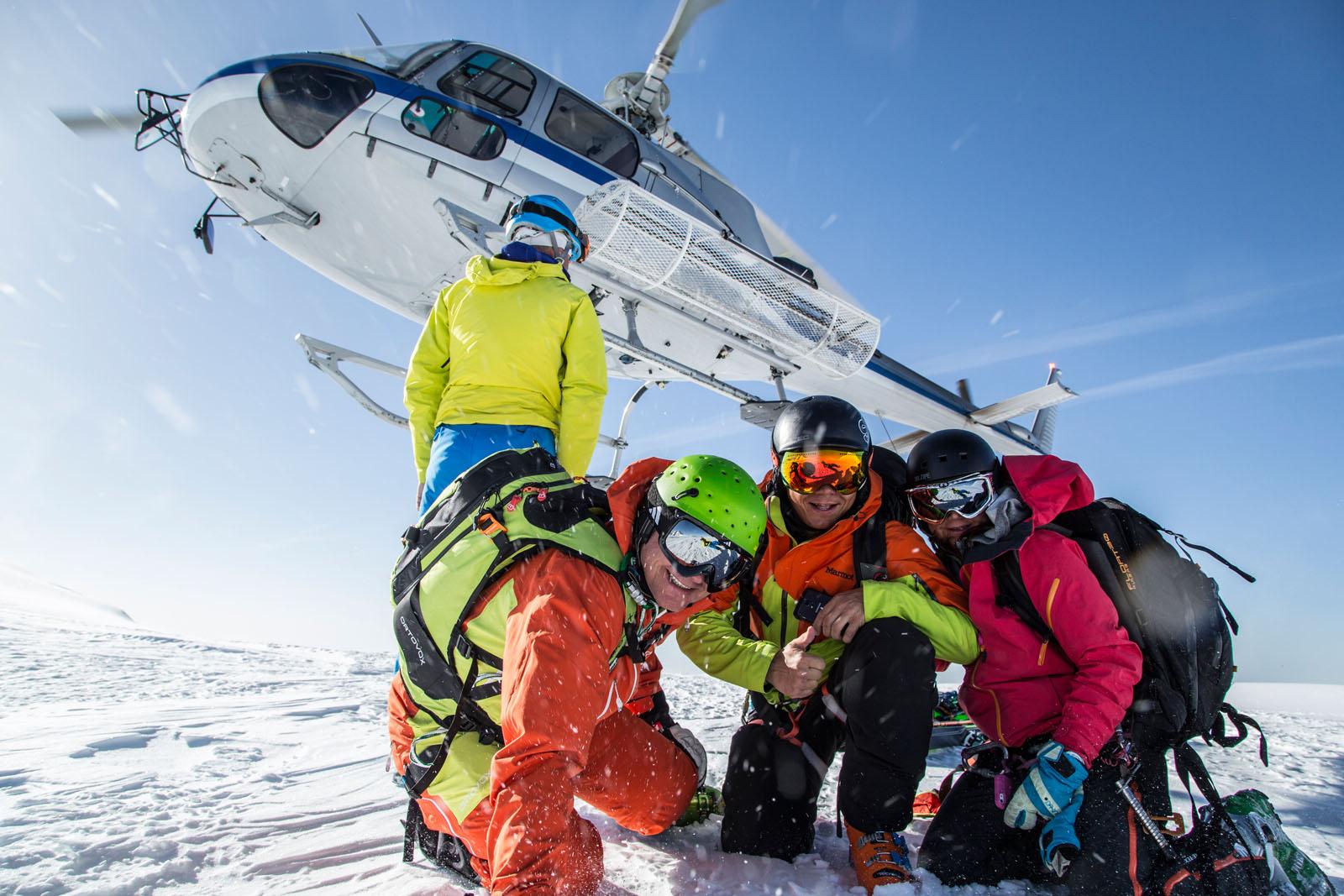 zuba-ski-gressoney-heliski-day-1-flight-001.jpg