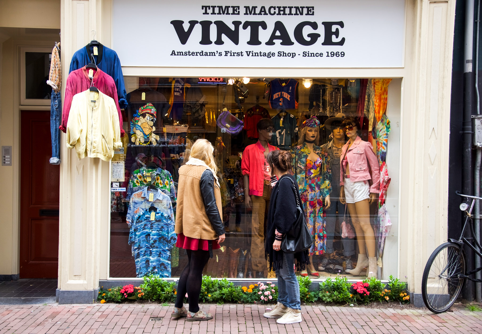 Withlocals  Vintage shopping tour in Amsterdam with Anna