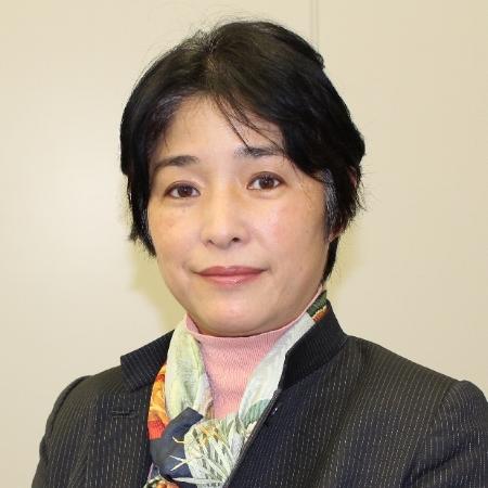 Yuko Kawai Headshot.jpg