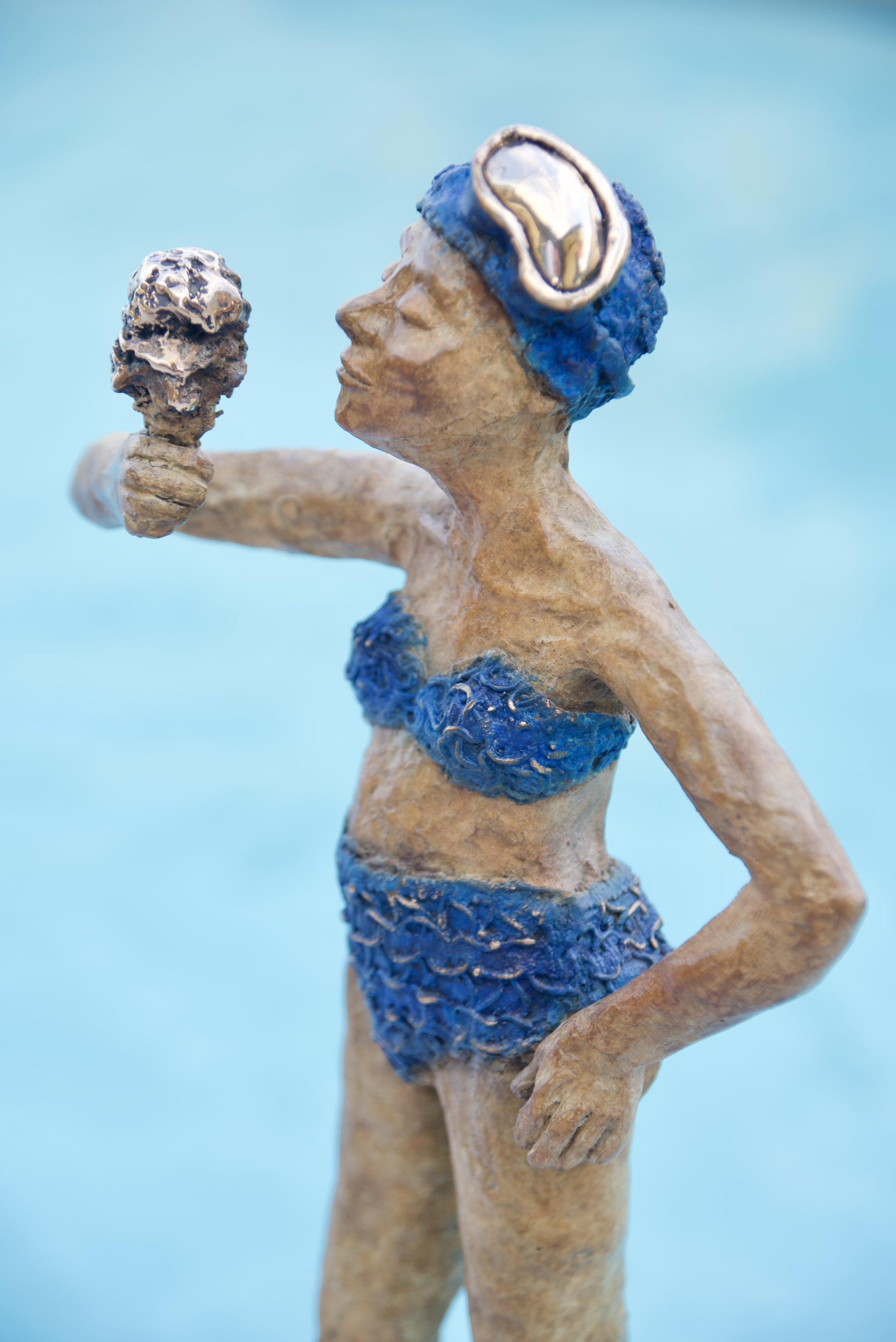 Bronze lido girl with ice cream (2018)