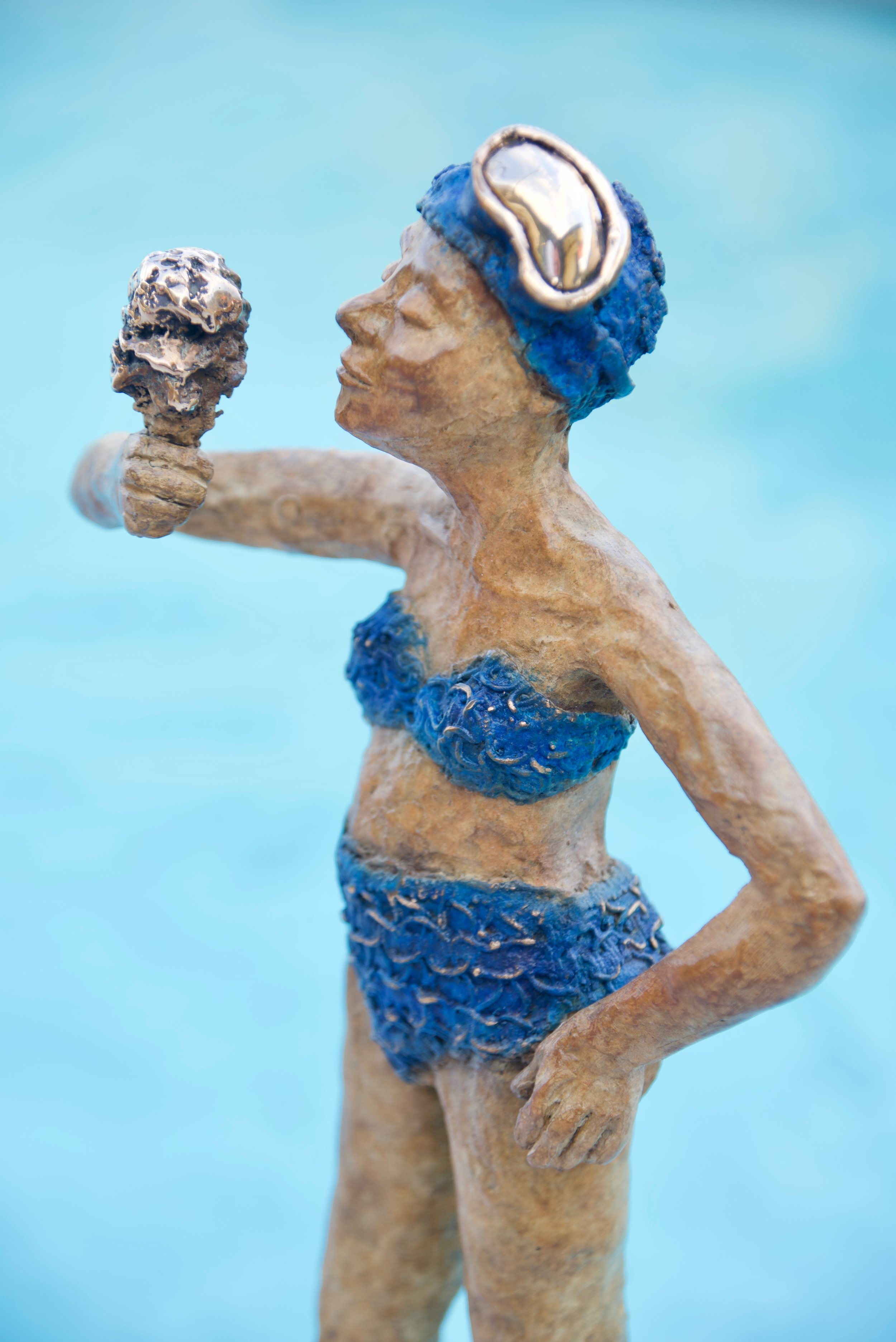Bronze lido girl (2018)