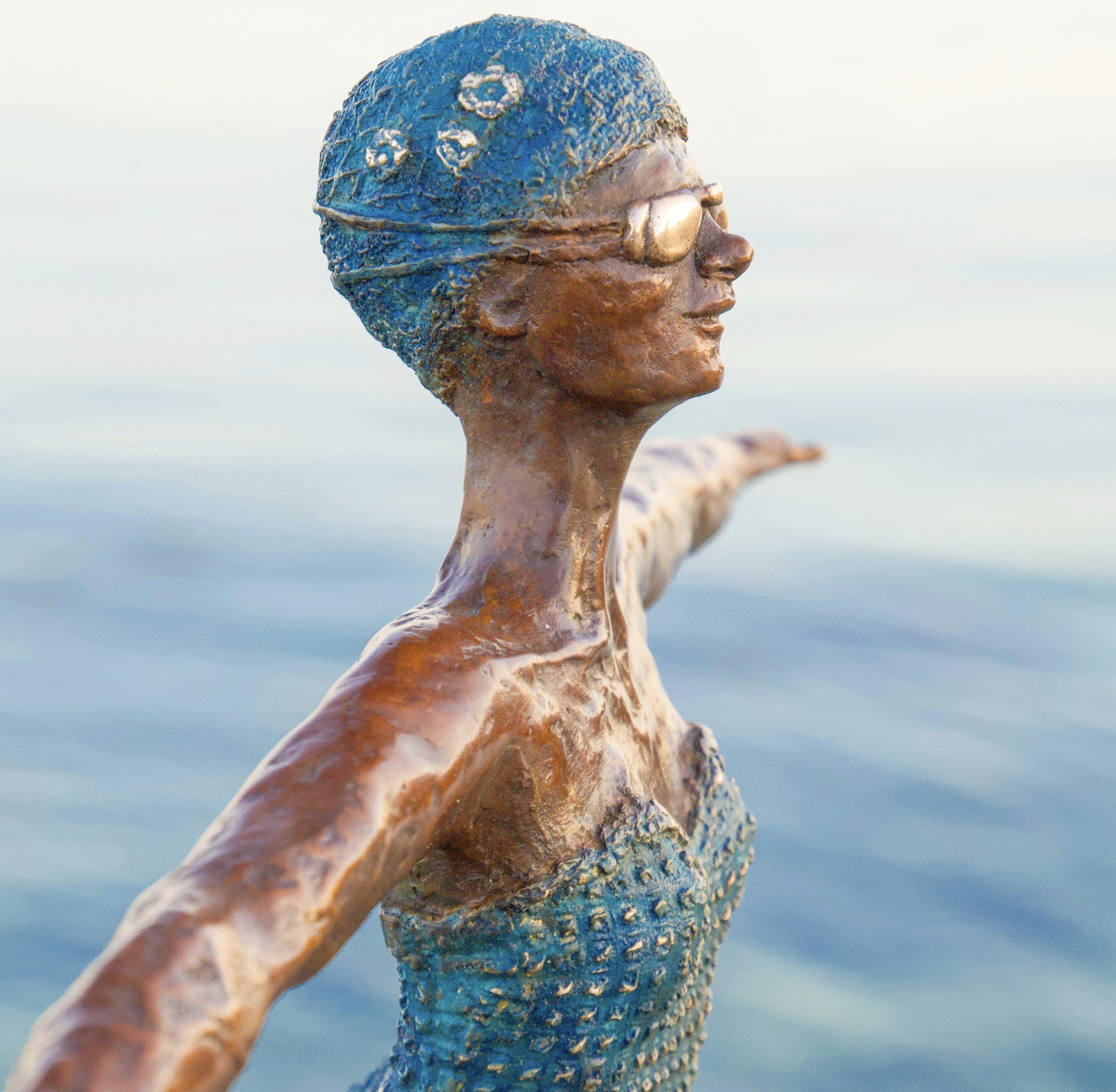 Diving into the ocean ~ bronze swimmer (2018)