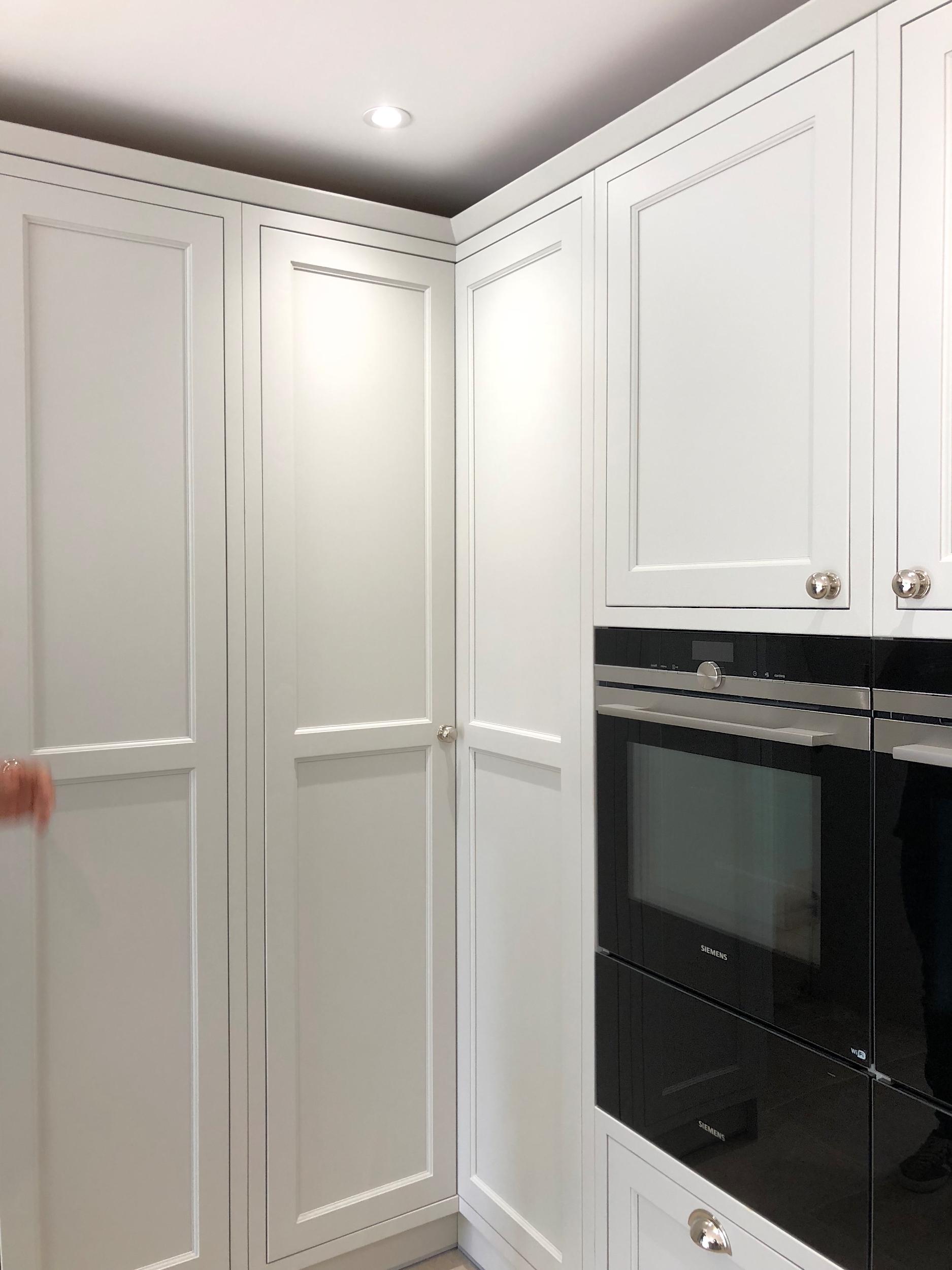White Grey Shaker Wood Kitchen Oxfordshire 987.jpg