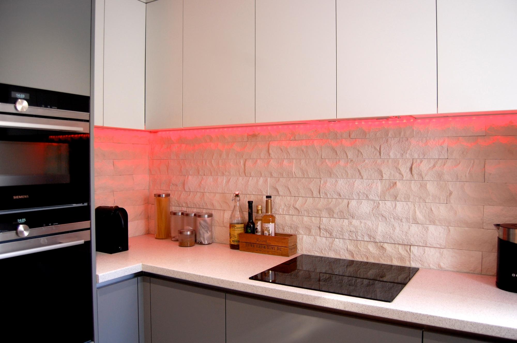 True Handless Kitchen Sunbury 765.jpg