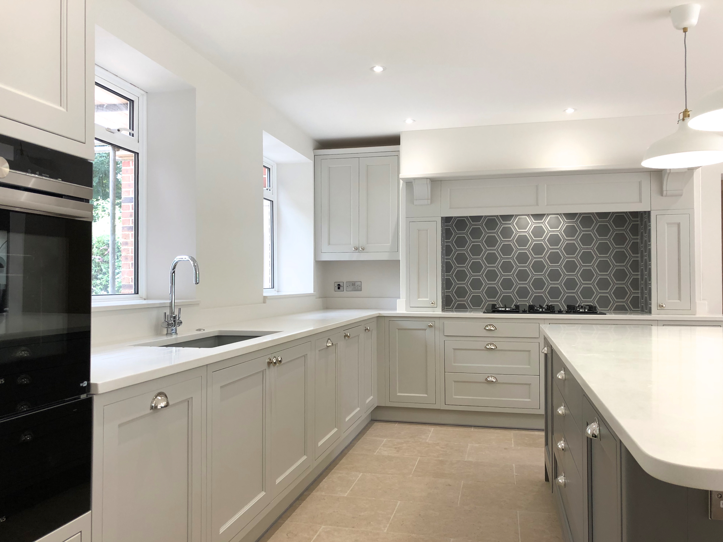 White Grey Shaker Wood Kitchen Oxfordshire 979.jpg