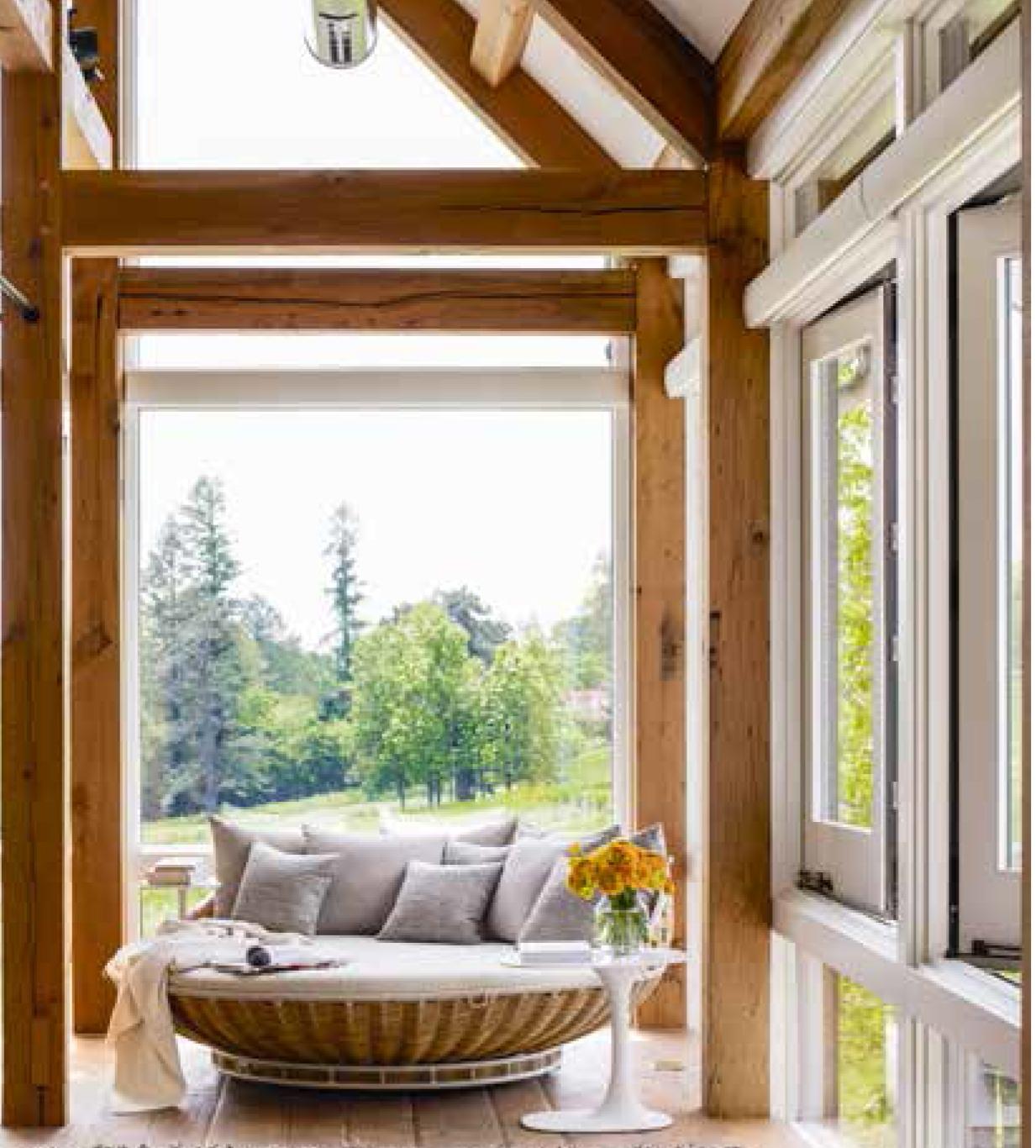 ElleDecor-bedroom-love-seat_HDA_1707.JPG.JPG