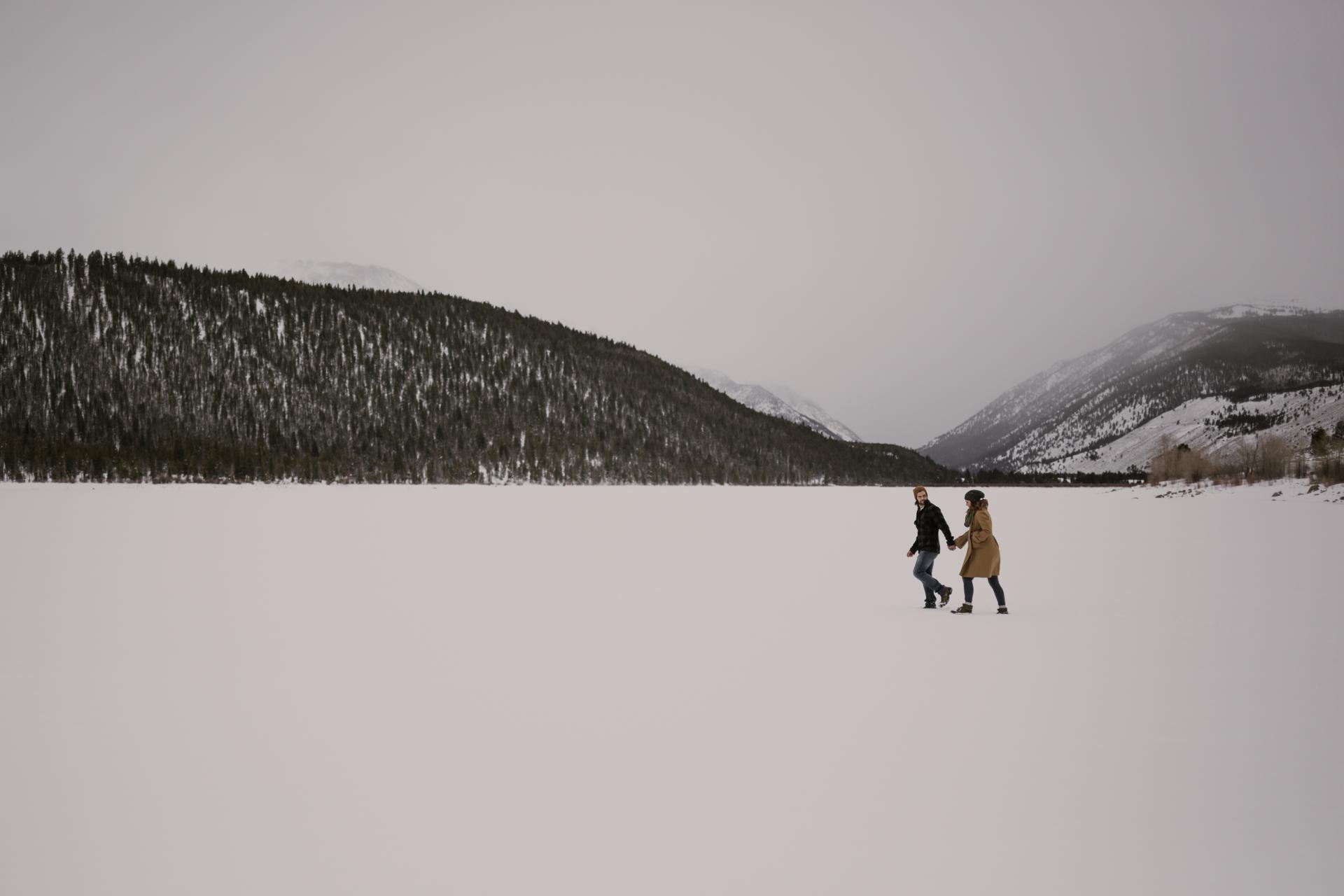 snowy-mountain-colorado-couples-shoot-1.jpg