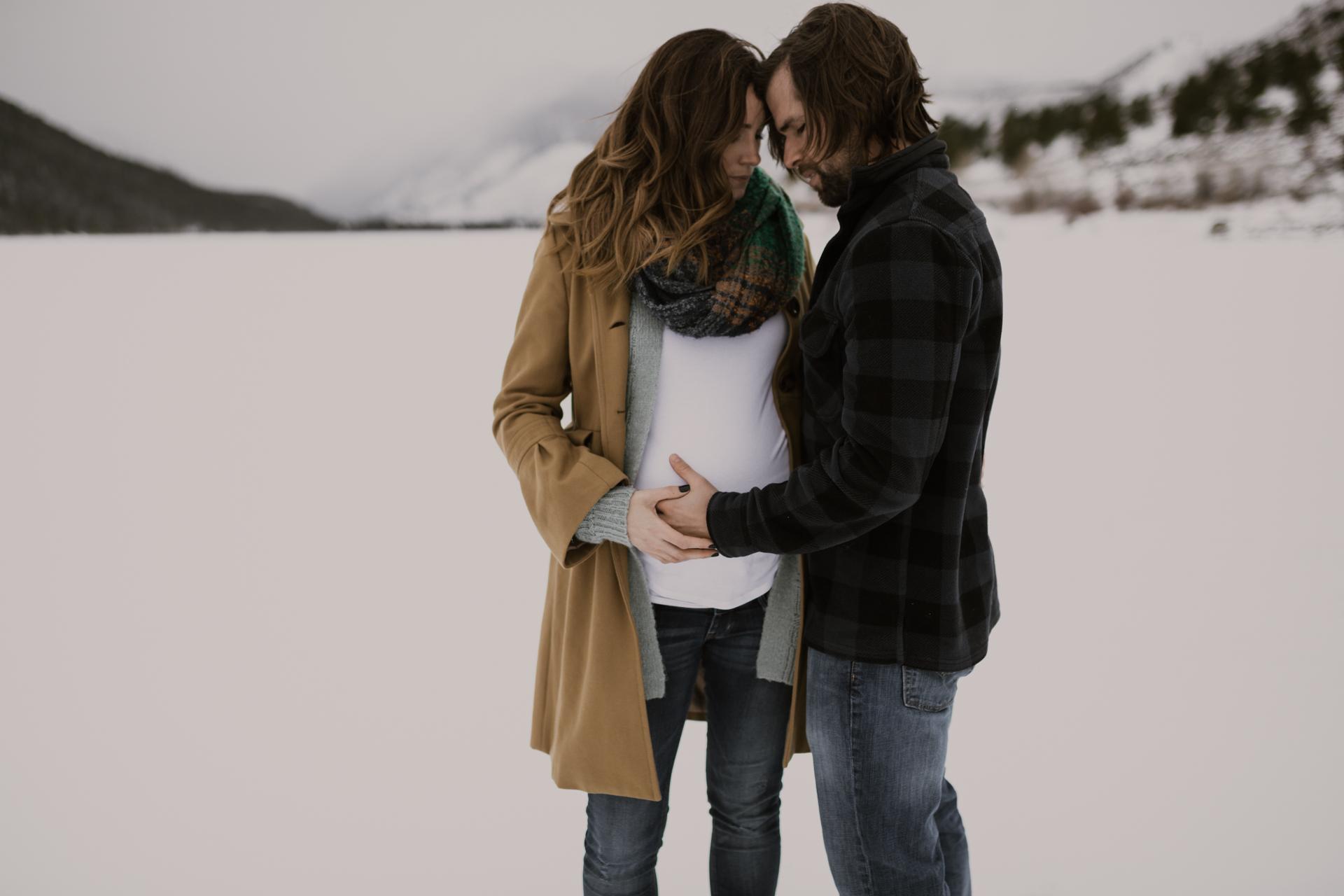 snowy-mountain-colorado-couples-shoot-9.jpg