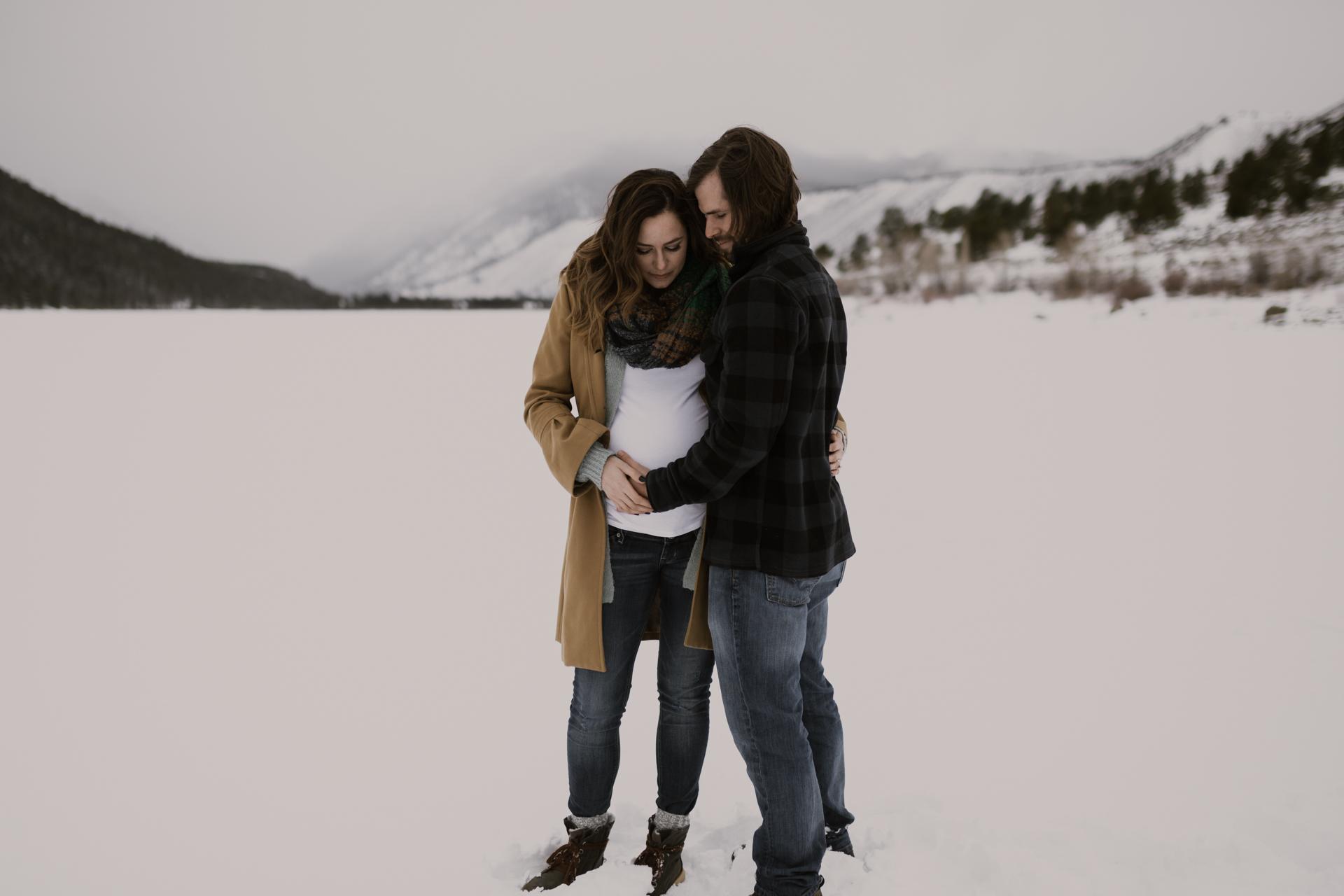 snowy-mountain-colorado-couples-shoot-10.jpg