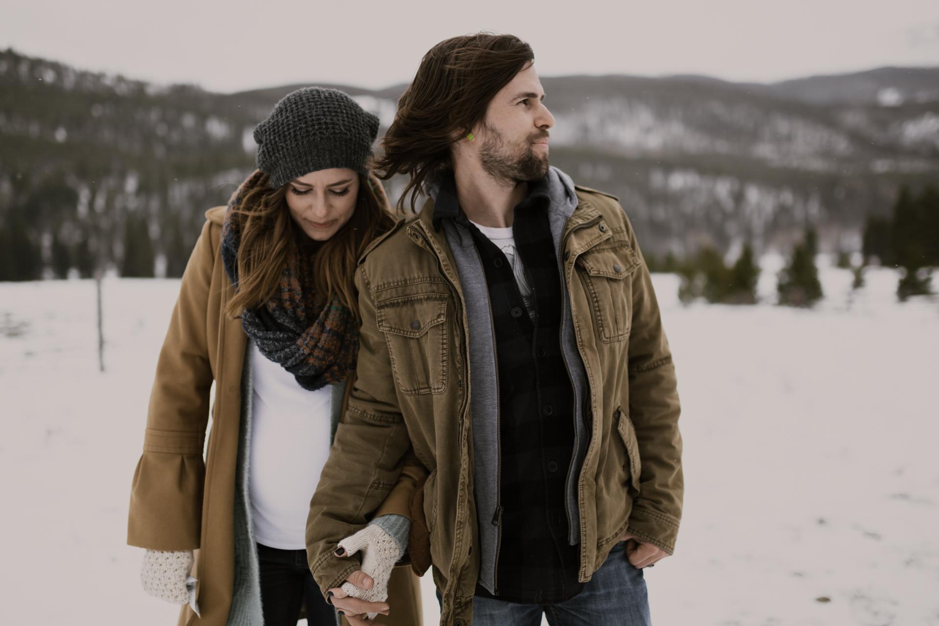 snowy-mountain-colorado-couples-shoot-16.jpg