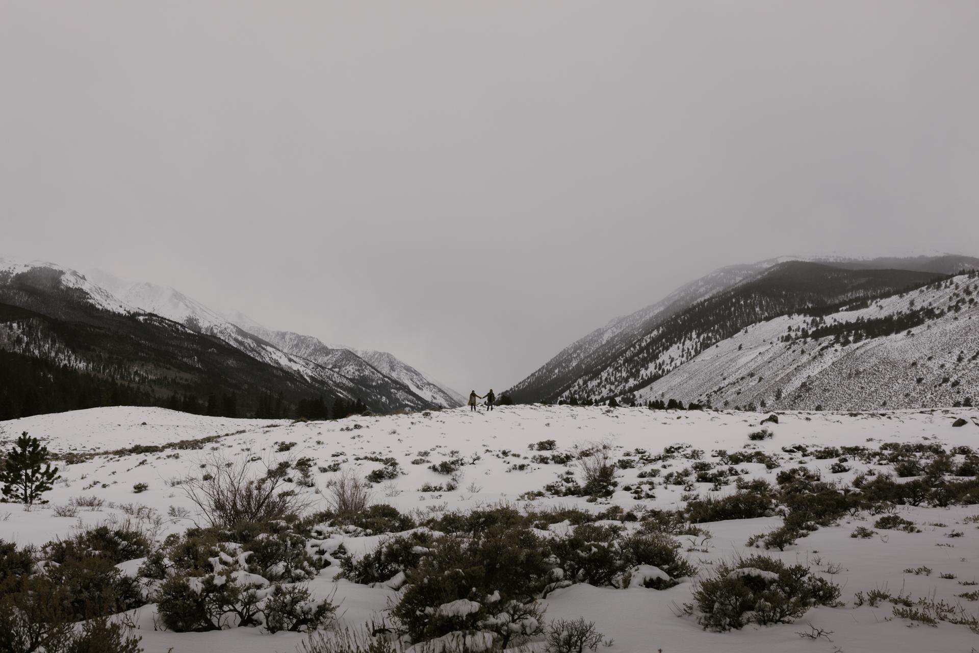 snowy-mountain-colorado-couples-shoot-19.jpg