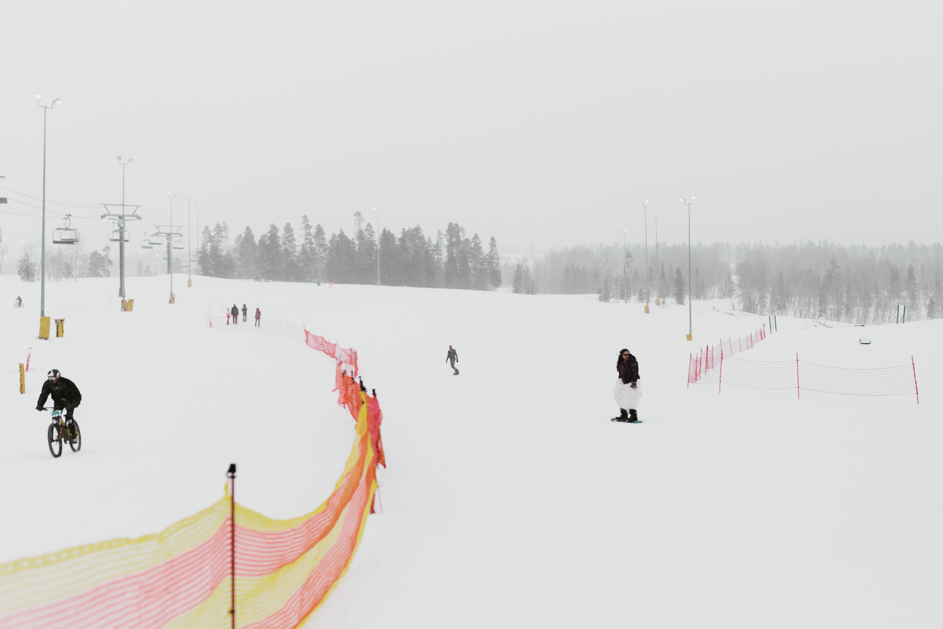 snowy-winter-outdoor-ski-resort-wedding-b-2.jpg