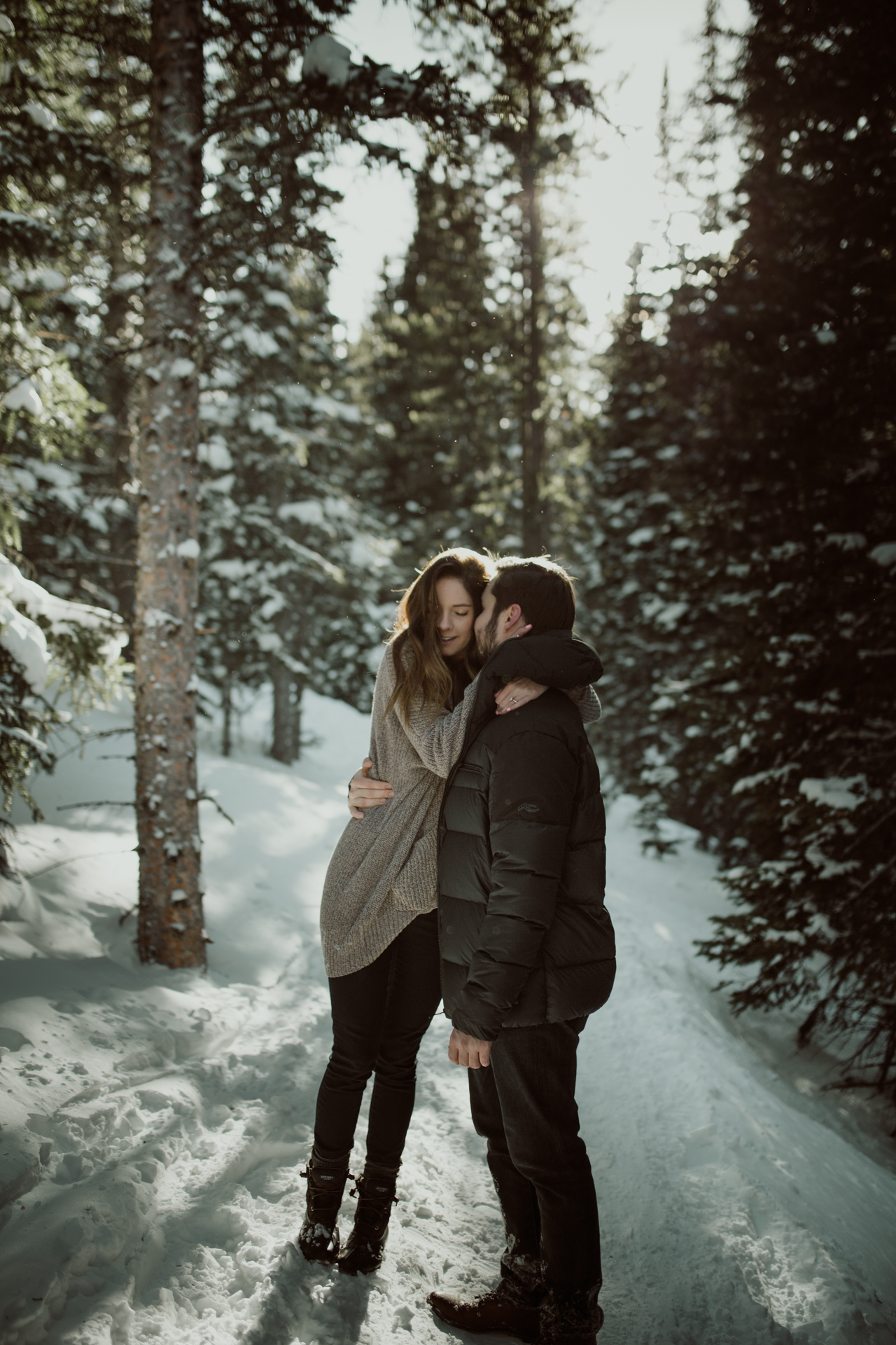 winter-rocky-mountain-national-park-engagements-2.jpg