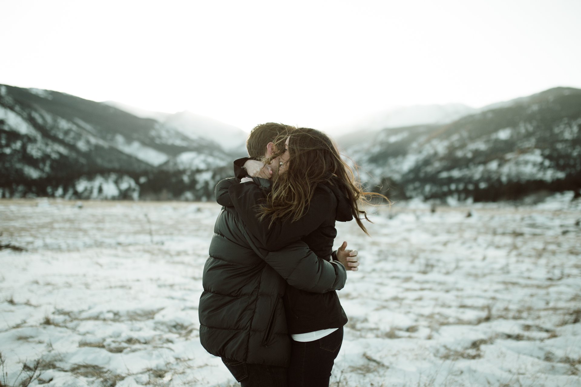 winter-rocky-mountain-national-park-engagements-re-4.jpg