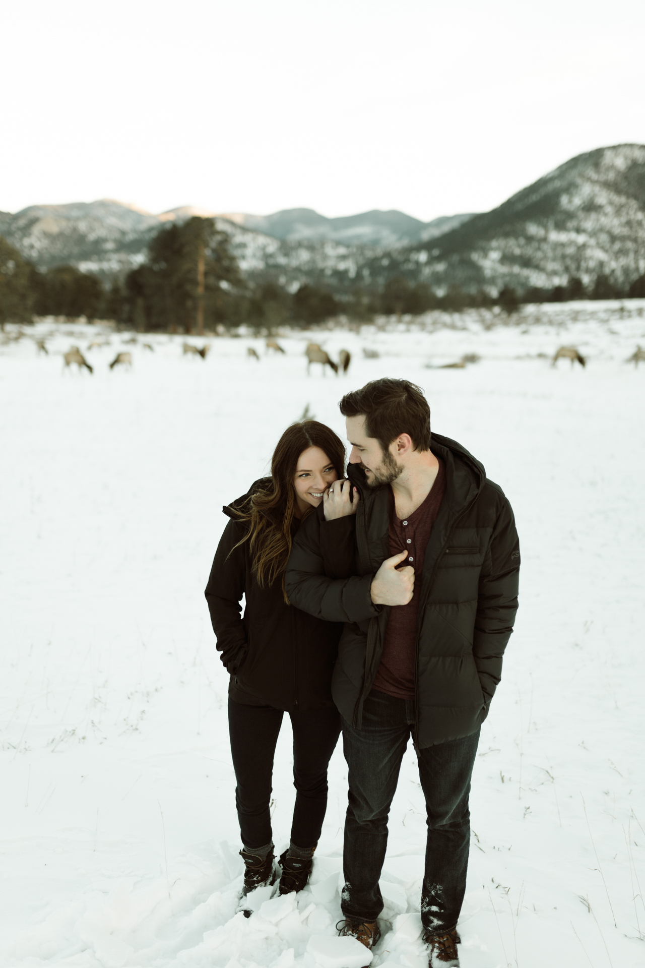 winter-rocky-mountain-national-park-engagements-re-7.jpg