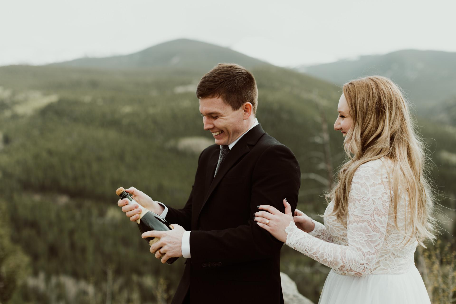colorado-mount-evans-intimate-adventurous-elopement-14.jpg