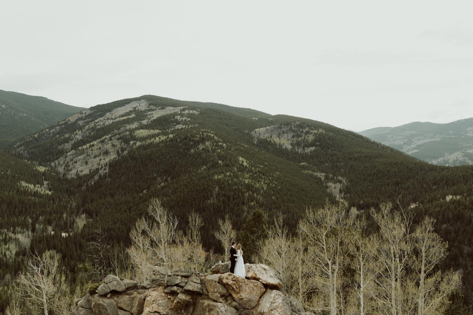 colorado-mount-evans-intimate-adventurous-elopement-16.jpg
