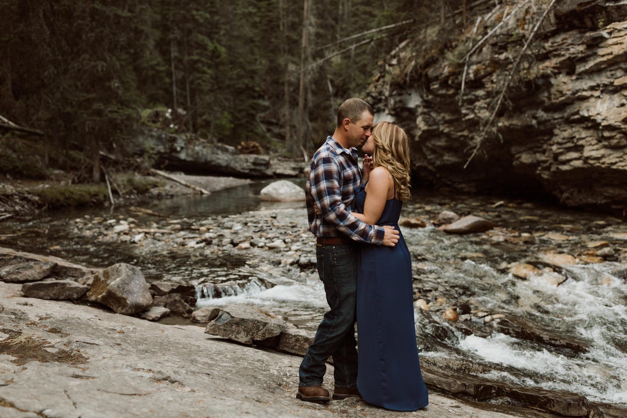 banff-engagements-destination-wedding-photographer-30.jpg