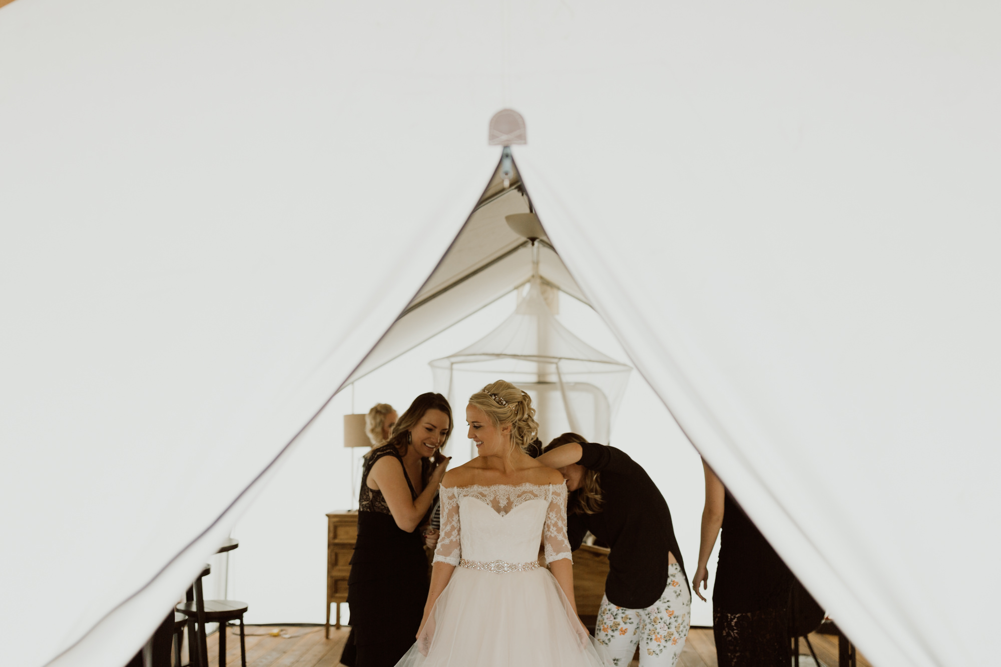 piney-river-ranch-intimate-colorado-wedding-13.jpg