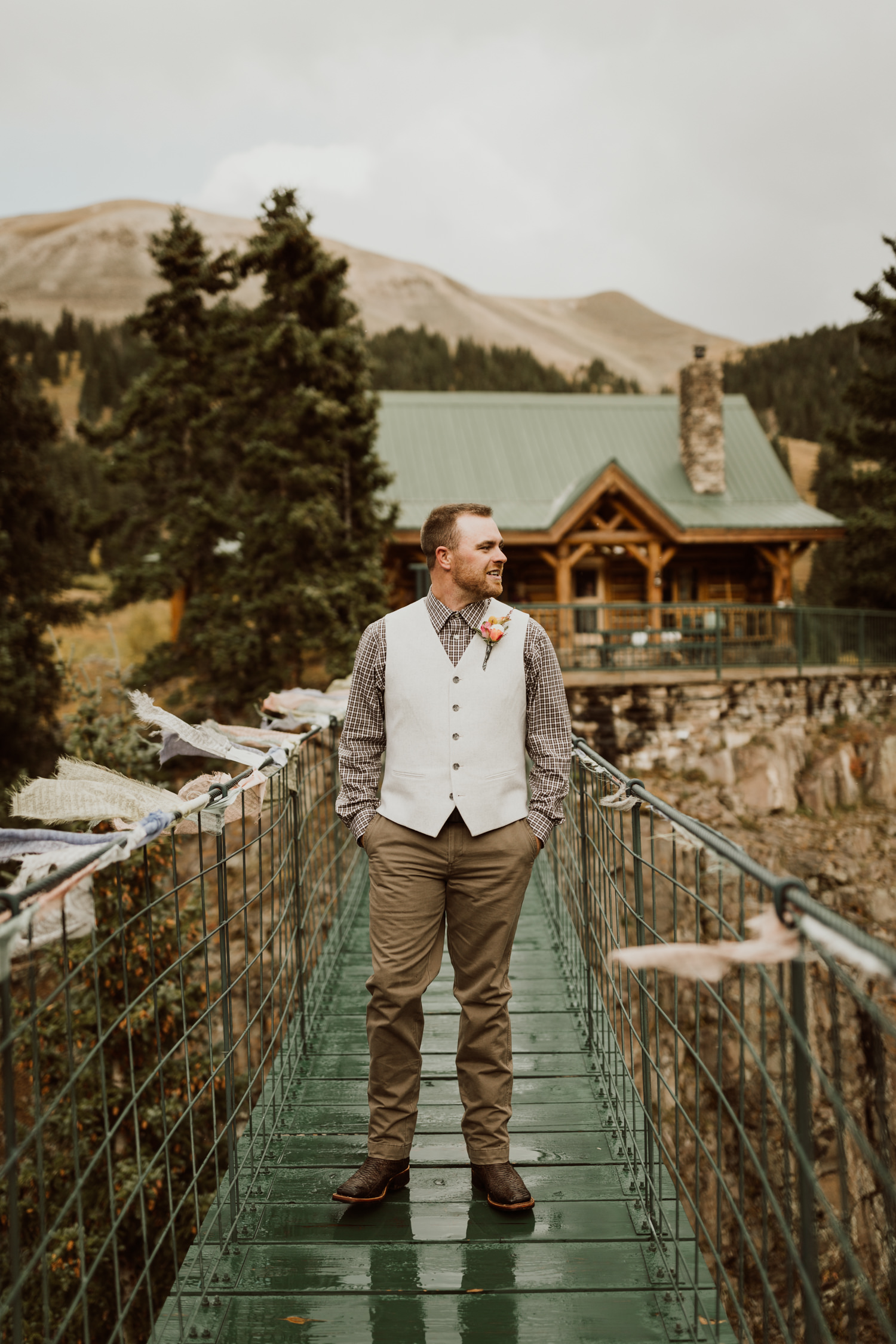 colorado-elopement-photographer-puente-cabin-26.jpg
