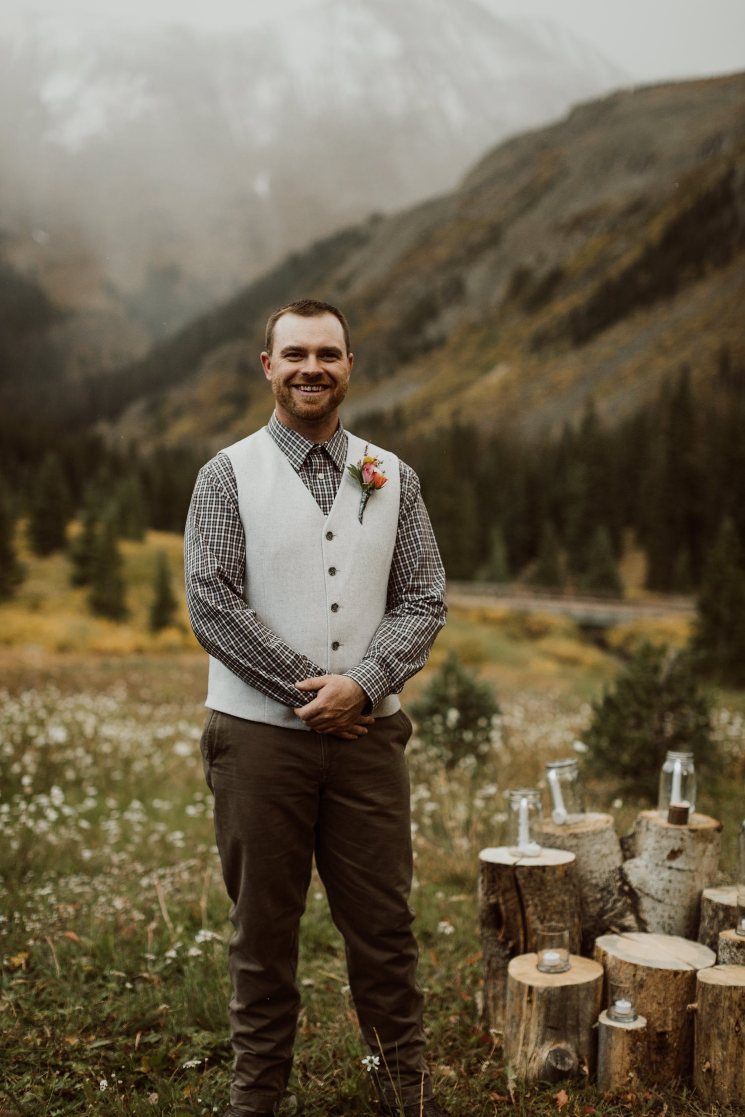 colorado-elopement-photographer-puente-cabin-32.jpg