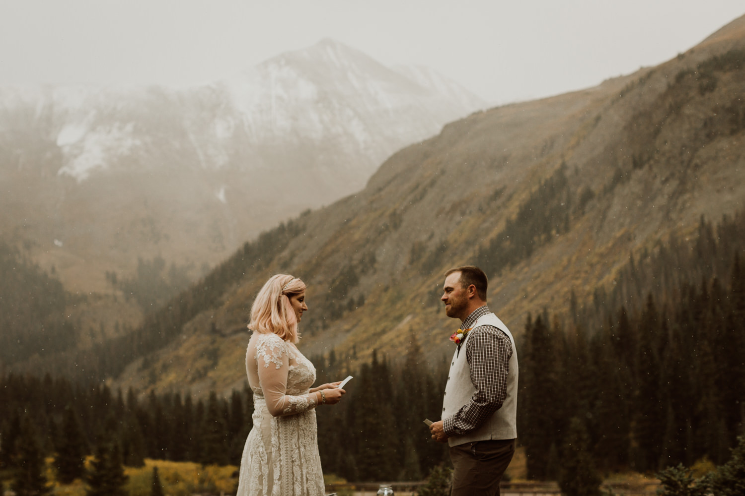 colorado-elopement-photographer-puente-cabin-40.jpg