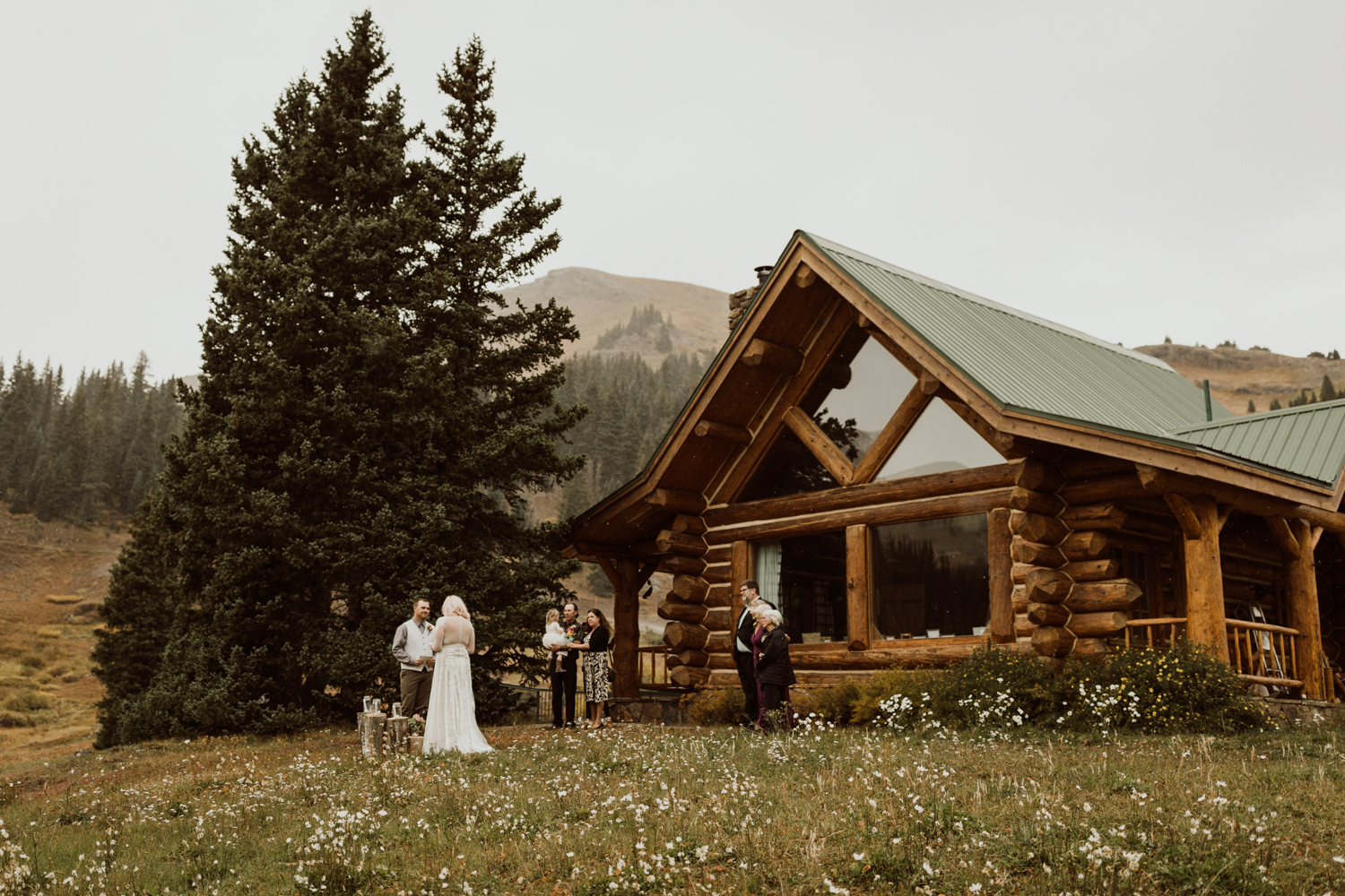 colorado-elopement-photographer-puente-cabin-41.jpg