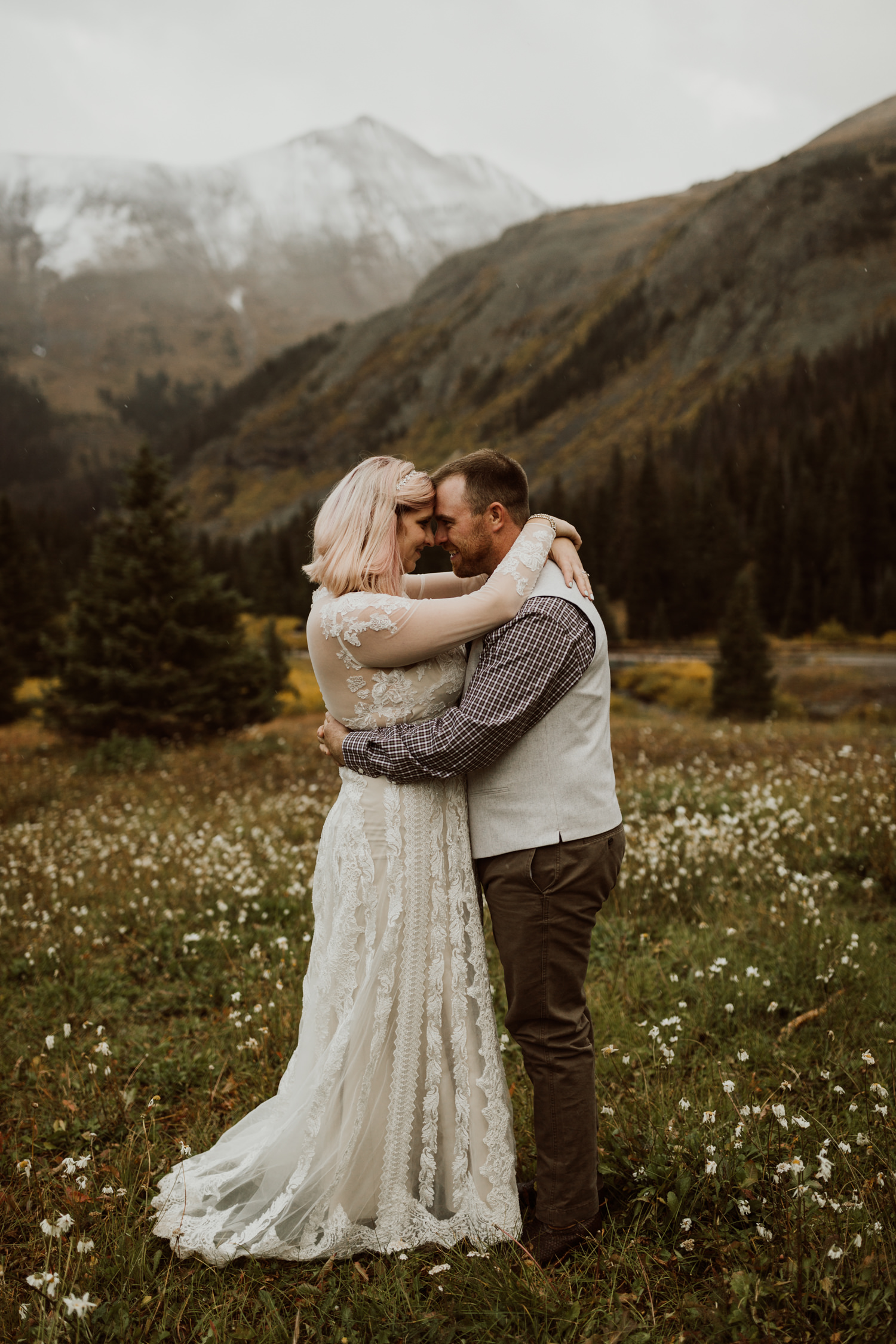 colorado-elopement-photographer-puente-cabin-56.jpg
