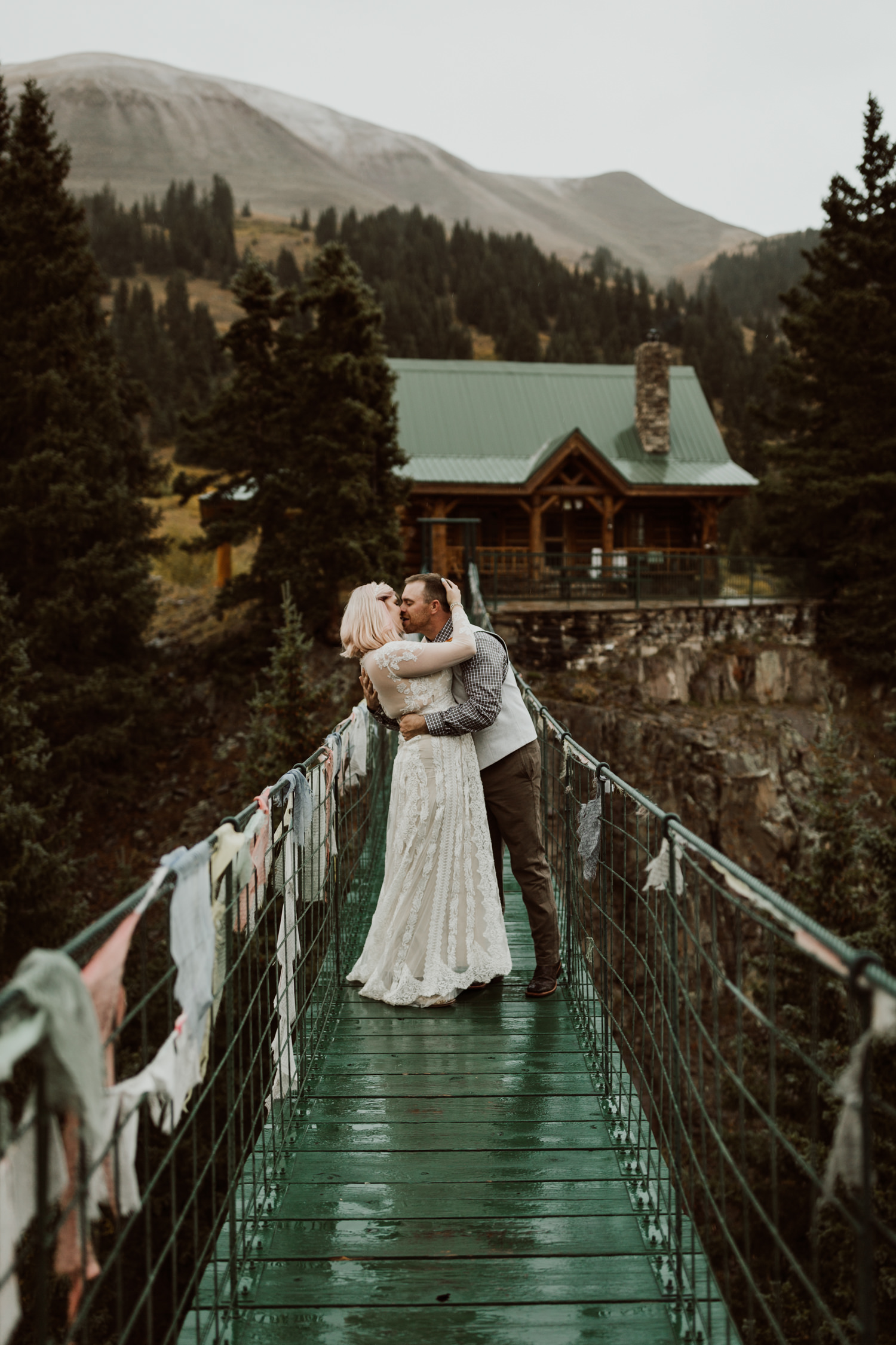 colorado-elopement-photographer-puente-cabin-58.jpg