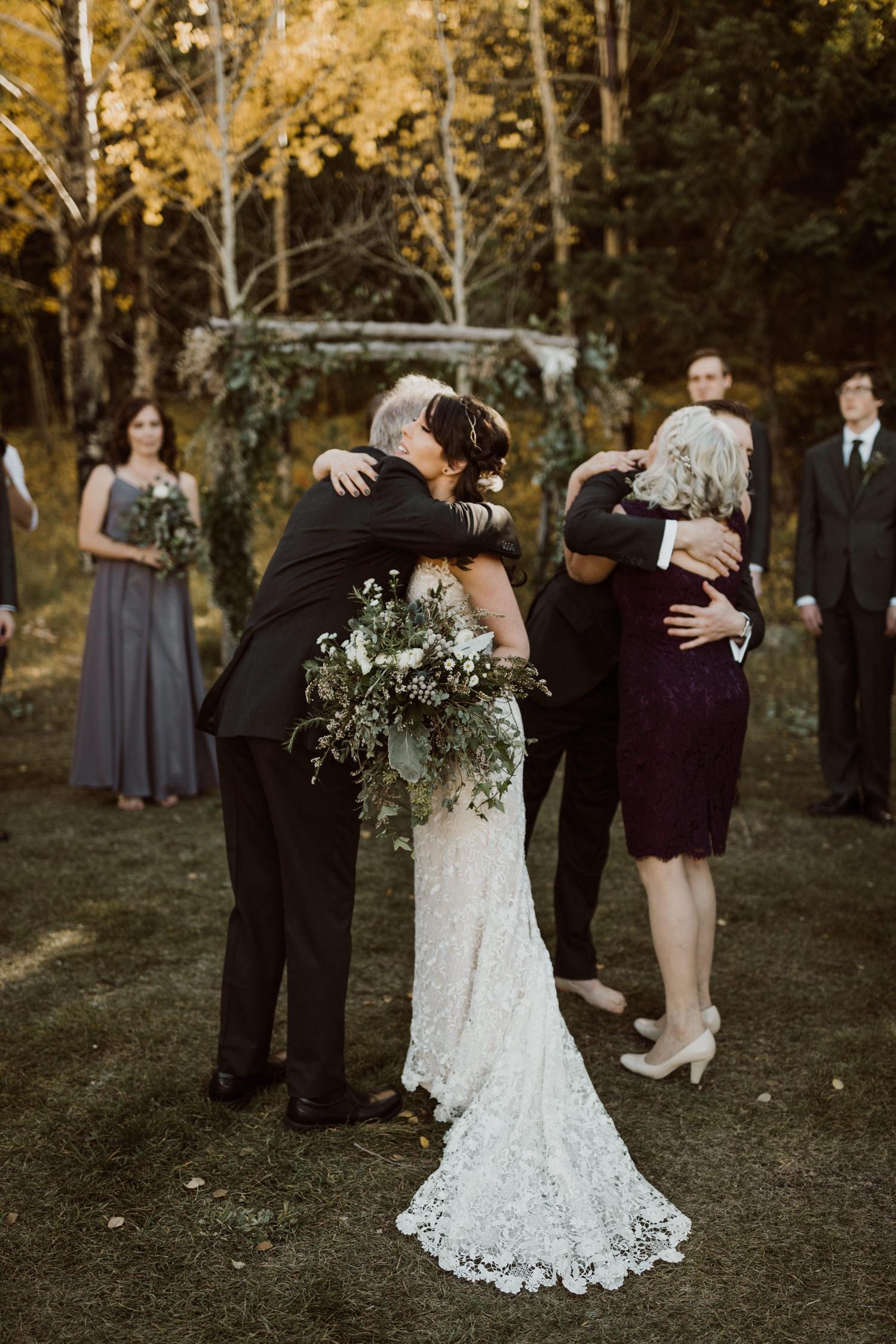 intimate-colorado-fall-wedding-27.jpg
