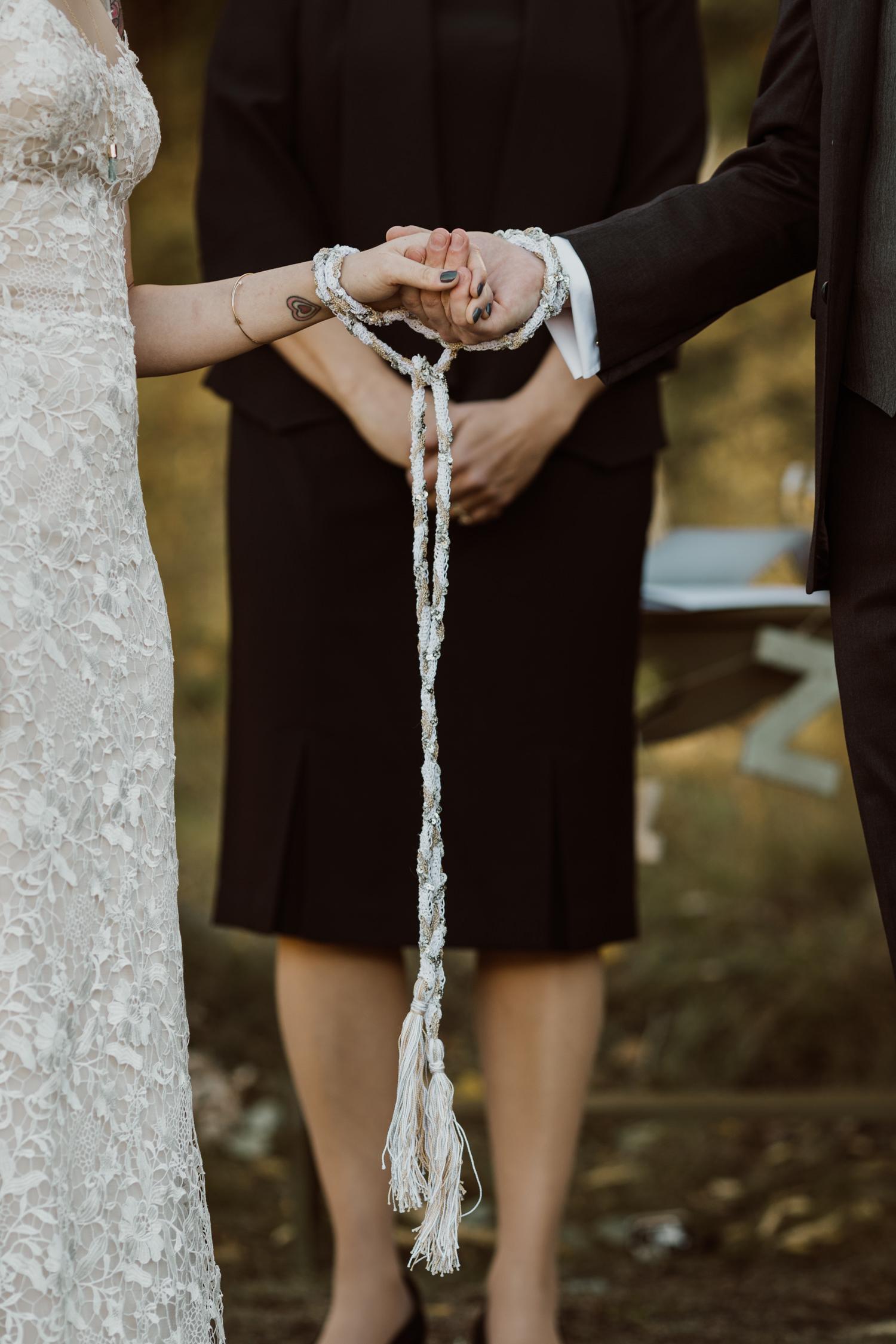 intimate-colorado-fall-wedding-36.jpg