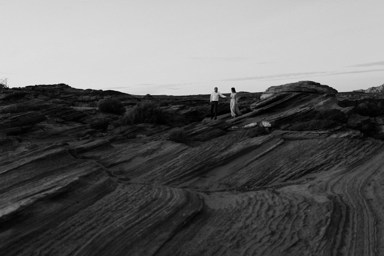 glen-canyon-arizona-adventure-engagements-15.jpg