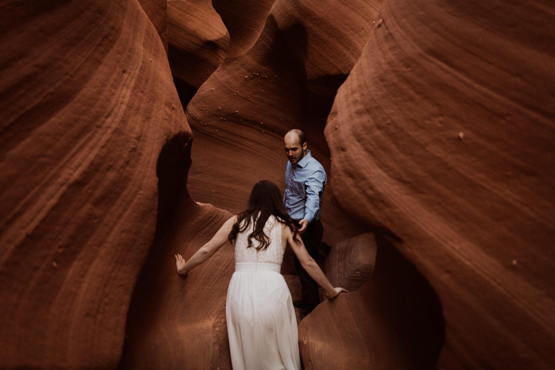 glen-canyon-arizona-adventure-engagements-41.jpg