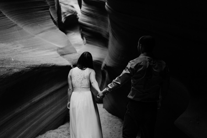 glen-canyon-arizona-adventure-engagements-47.jpg