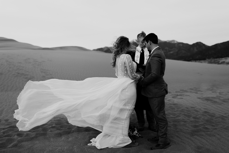great-sand-dunes-elopement-67.jpg