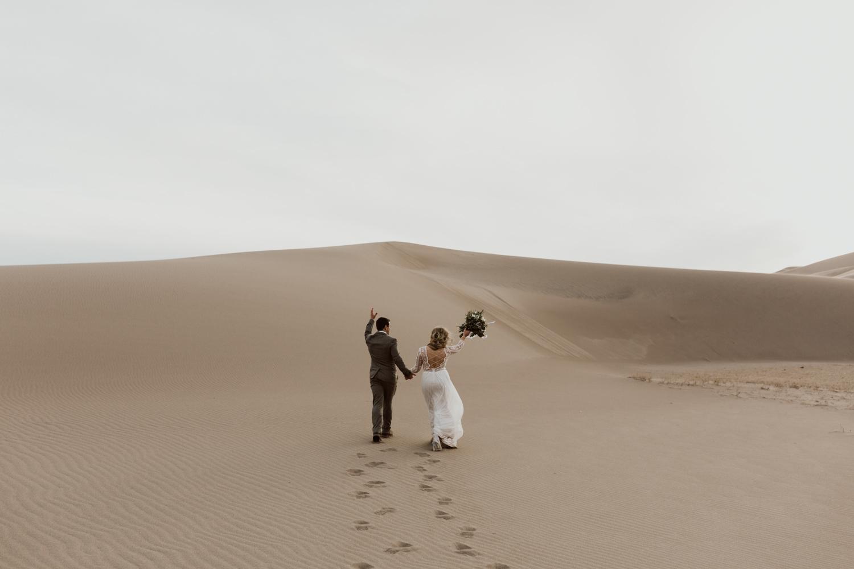 great-sand-dunes-elopement-78.jpg