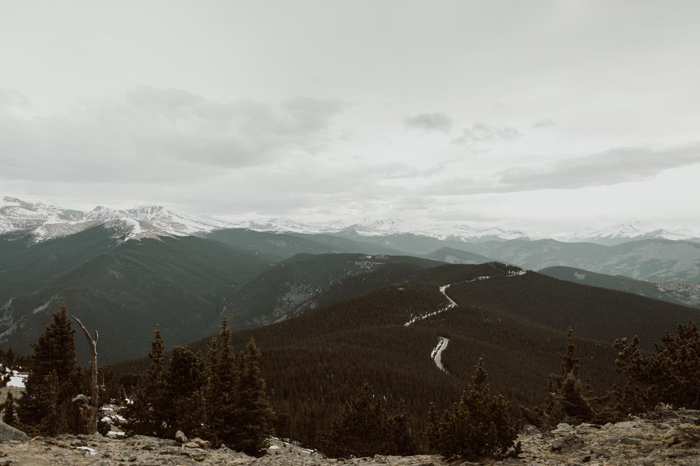 colorado-mountaintop-engagement-8.jpg