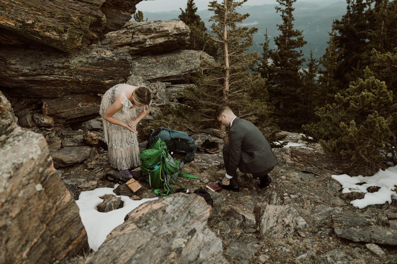 colorado-mountaintop-engagement-9.jpg
