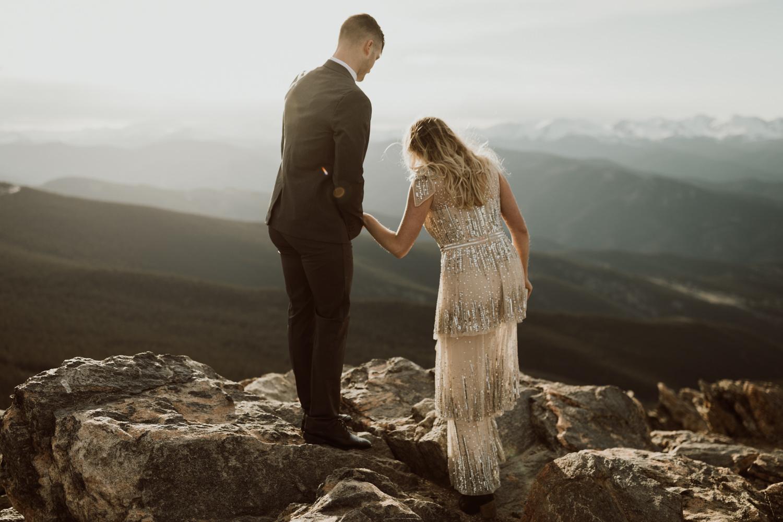 colorado-mountaintop-engagement-27.jpg