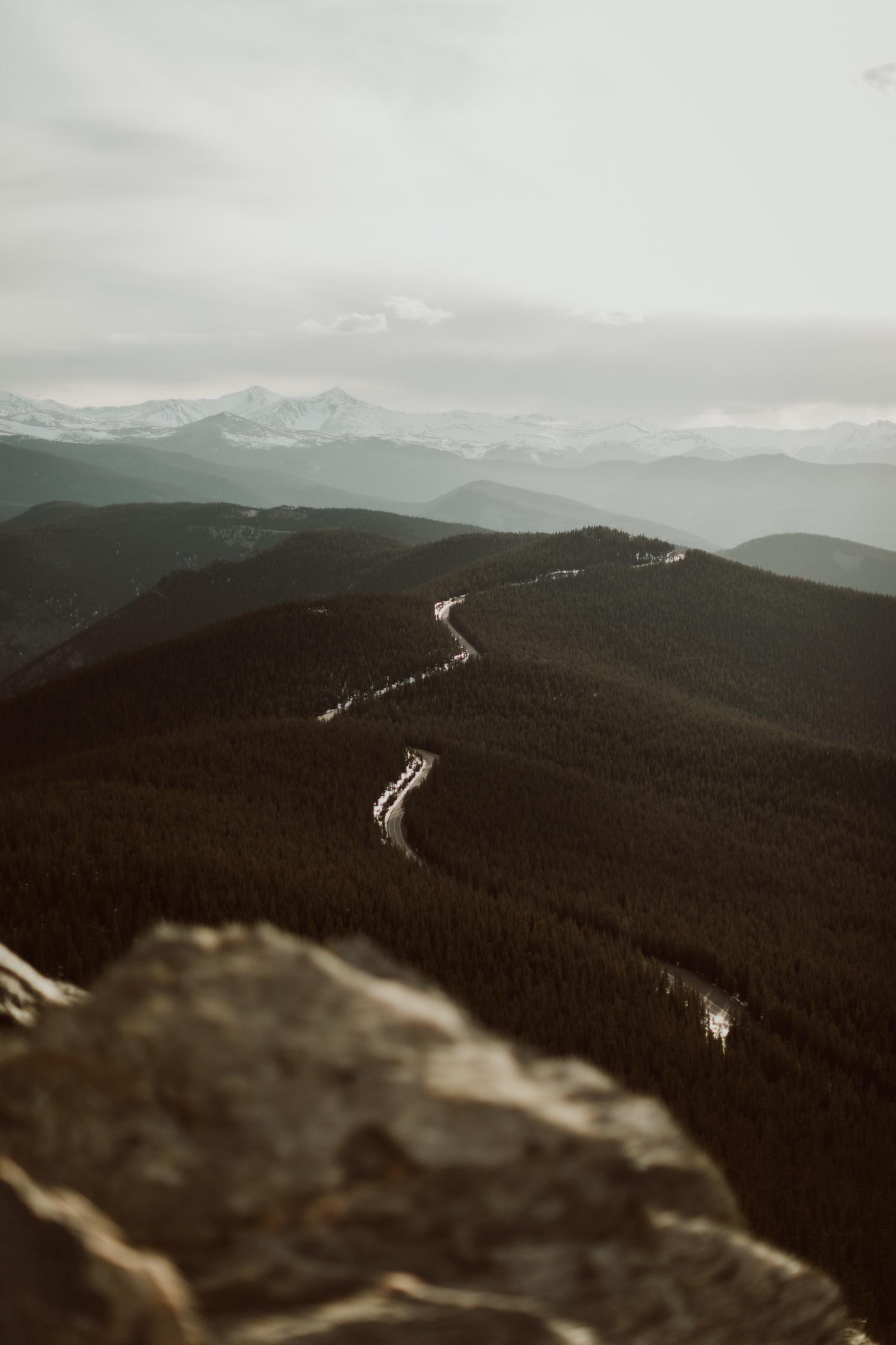 colorado-mountaintop-engagement-35.jpg