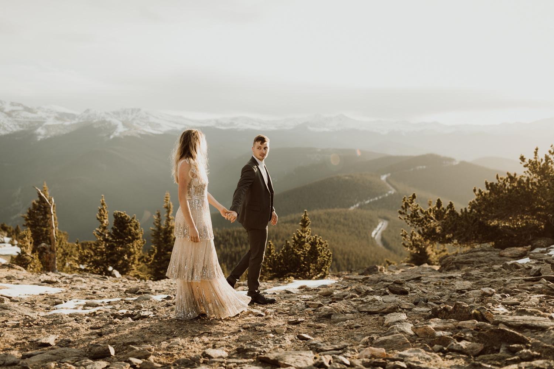 colorado-mountaintop-engagement-46.jpg