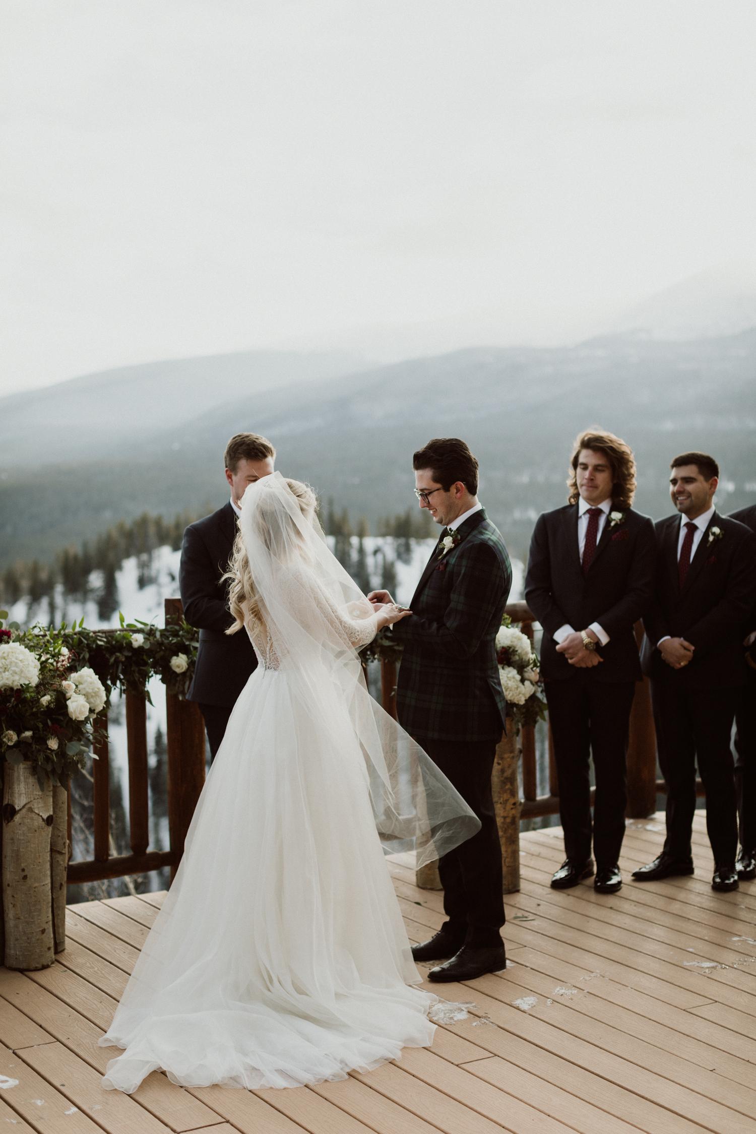 winter-wedding-colorado-21.jpg