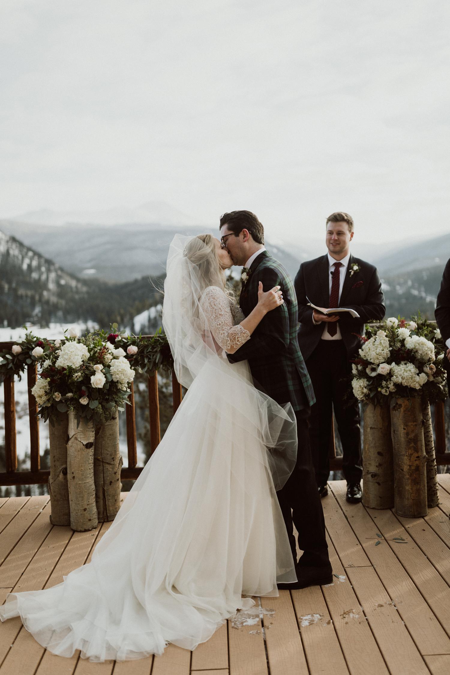 winter-wedding-colorado-22.jpg