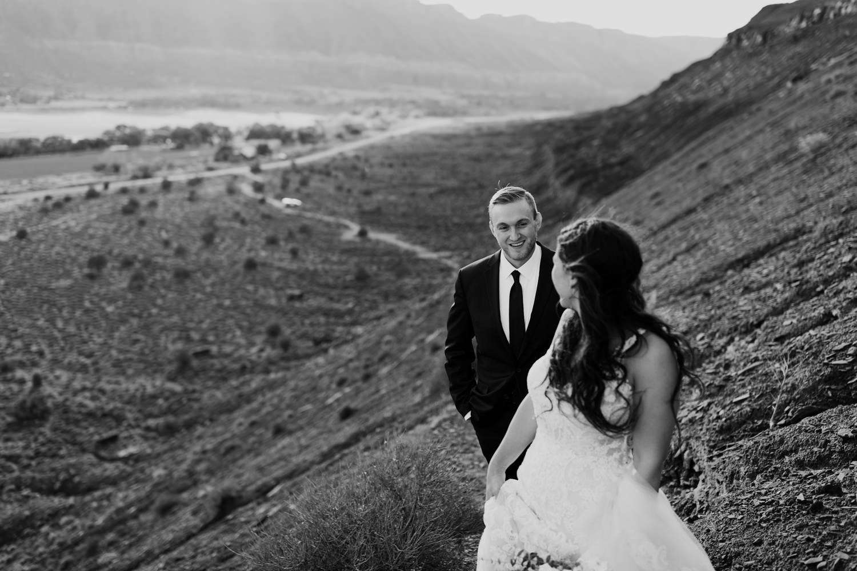 30_moab-utah-elopement-photographer-53.jpg