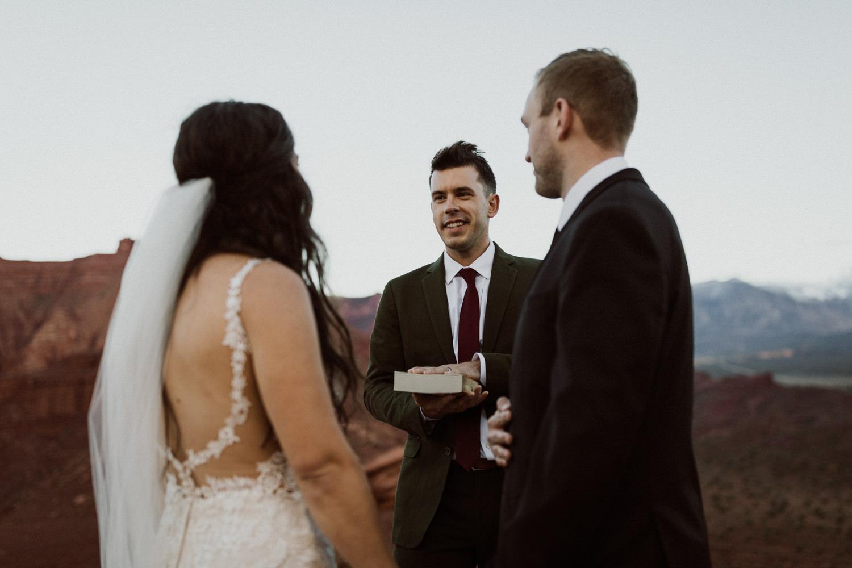 45_moab-utah-elopement-photographer-84.jpg