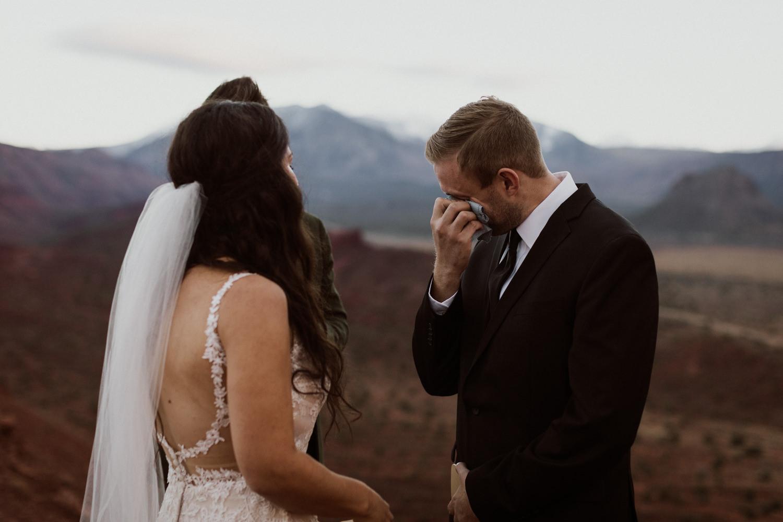 56_moab-utah-elopement-photographer-99.jpg